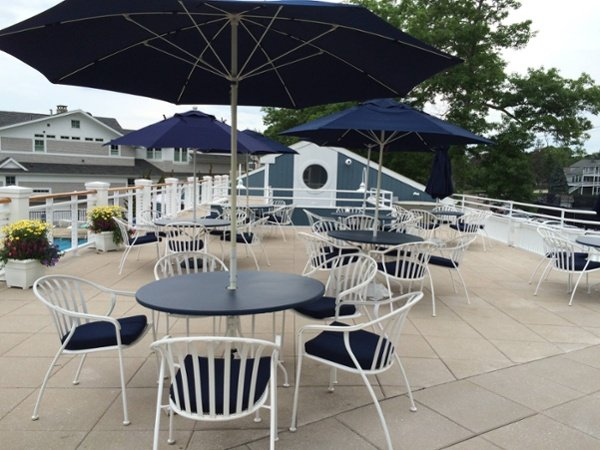 Stone Ballasted Roof System at Pine Orchard Country Club in Branford, Connecticut