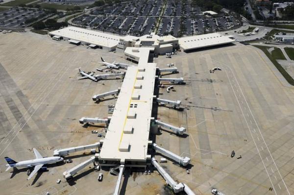Mechanically Fastened Roof at Sarasota/Bradenton International Airport in Sarasota, Florida